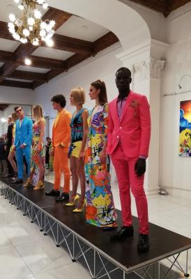 Modelle e modelli con la collezione primavera estate 2020