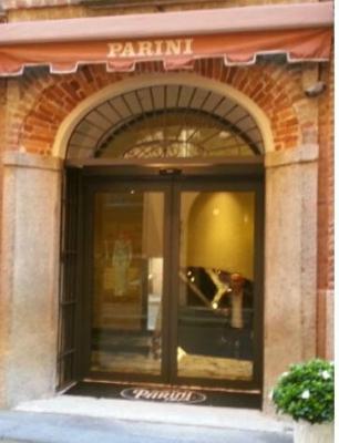 Drogheria Parini - Porta d'ingresso
