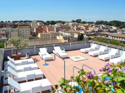 Mercure Roma Centro Colosseo-Lettini piscina
