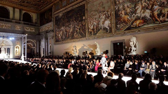 La sfilata evento: Thom Browne e Gianbattista Valli
