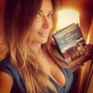 Selvaggia Lucarelli e il suo libro CHE CI IMPORTA DEL MONDO
