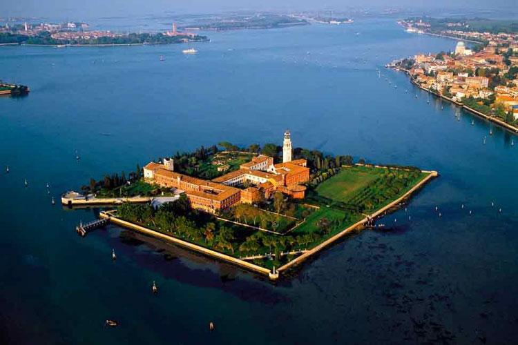 Risultati immagini per isola San Lazzaro italia