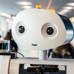 Ciao sono Spencer, sono un robot e lavoro all'aeroporto di Amsterdam