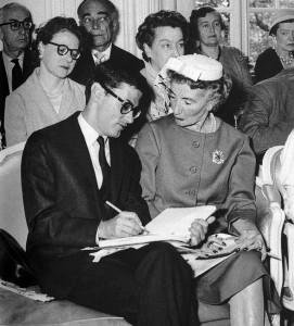 Avedon e Carmel Snow alle sfilate di Parigi nei primi anni cinquanta (1)