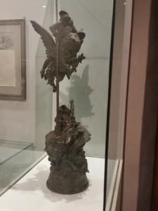 Bronzetto di Gustave Dorè sull'episodio di Ruggero sull'ippogrifo che uccide l'orca e salva Angelica