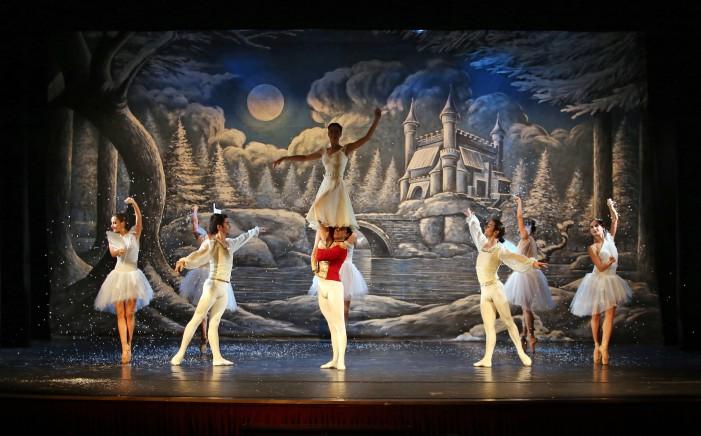 Lo Schiaccianoci con l'etoiles del Balletto di Cuba e la Compagnia Almatanz