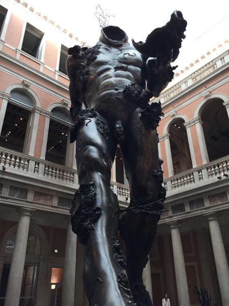 16 Demon with Bowl (Exhibition Enlargment), Resina dipinta, Palazzo Grassi