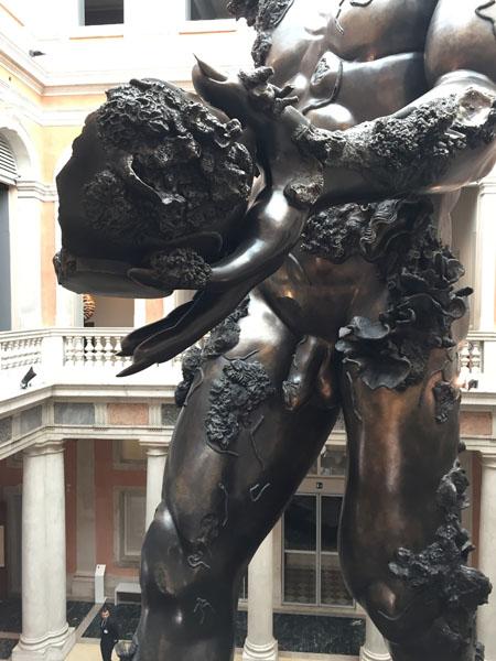 19 Demon with Bowl (Exhibition Enlargment), Resina dipinta, Palazzo Grassi