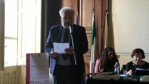Dionisio Paglia in un momento della sua interpetazione dei testi premiati