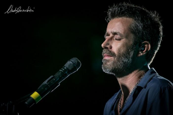 Ovunque a casa con Daniele Silvestri: le tre ore di concerto del suo OverTour nel Salento