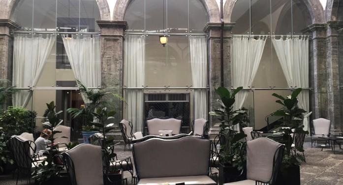 Palazzo Caracciolo: un gioiello nella Napoli storica