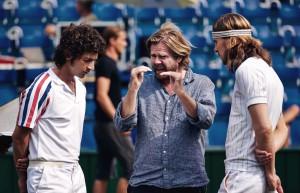 Sverrir Gudnason, Shia LaBeouf e il regista Janus Metz Pedersen durante le riprese di Borg-McEnroe