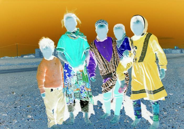 I colori di Sheila McKinnon al servizio delle donne e del clima