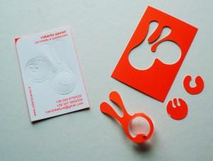 Roberto Zanon, Anello con orecchini (biglietto da visita), cartoncino, 2008