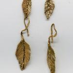 Ungarelli Monica, Orecchini Daphne - doppie foglie in bronzo -