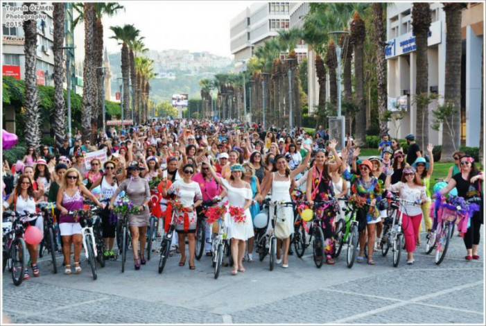 Fancy Women Bike Ride, donne in bici a Milano