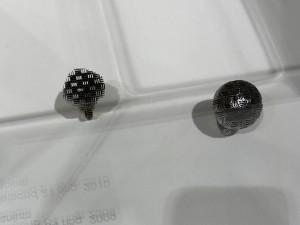 Stefania Lucchetta, Diamond 04 ring, 2009, titanio : Diamond 21 ring, 2010, titanio