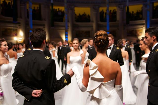 Gran Ballo delle Debuttanti, alla Venaria Reale si festeggia Carlo Pignatelli