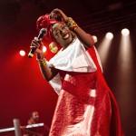 Fatoumata Diawara in concerto canta la sua Africa