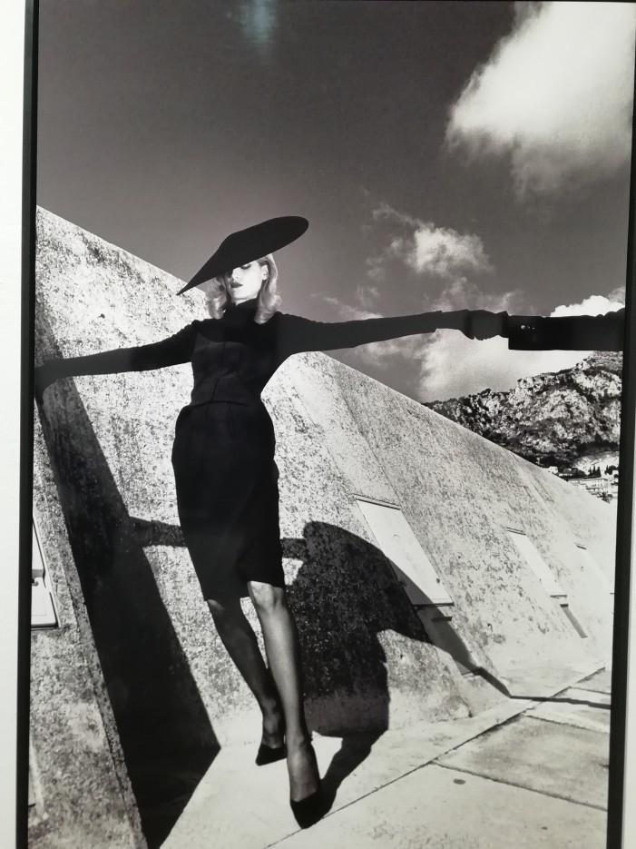 Il grande Helmut Newton in 60 scatti a San Gimignano