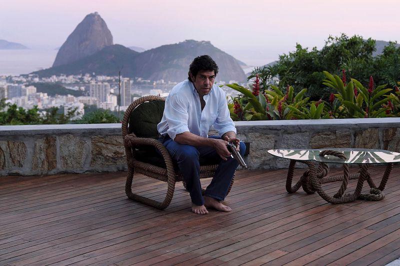 Pierfrancesco Favino nei panni di Tommaso Buscetta in una scena a Rio de Janeiro