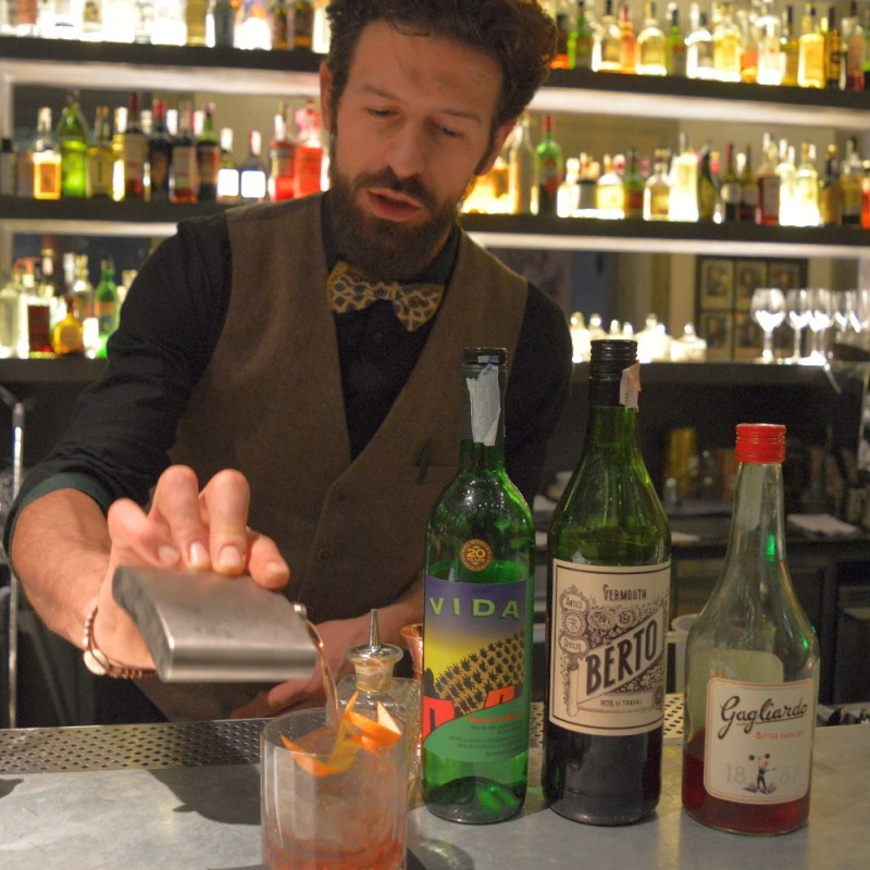 I barman