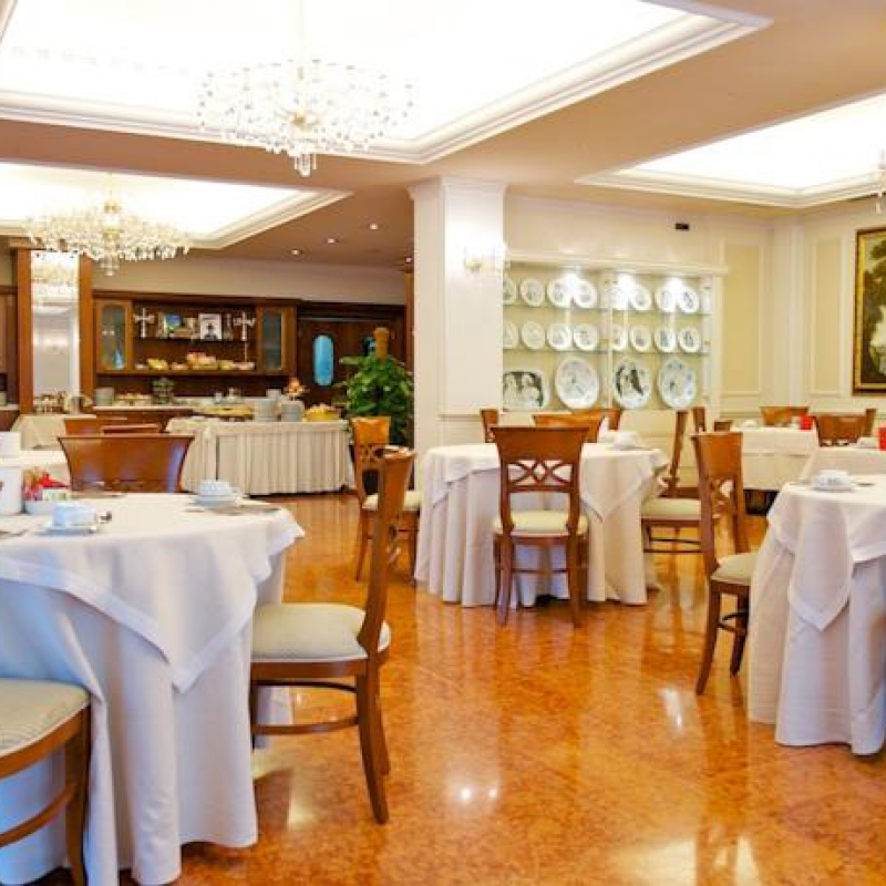 Sala colazione Mercure Parma Stendhal