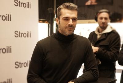 Stroili - Luca Argentero posa per la stampa