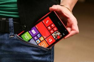 Nokia_Lumia_1520_35829228-7242_620x413