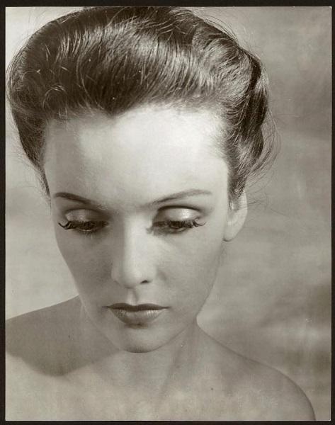 Portrait au visage étiré Paris 1937 vintage