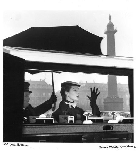 Jean Philippe Charbonnier - Bettina in Place Vendome, Paris 1953 ©Jean Philippe Charbonnier GAMMA RAPHO