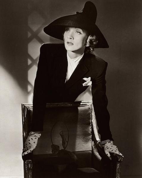 Dietrich 1942
