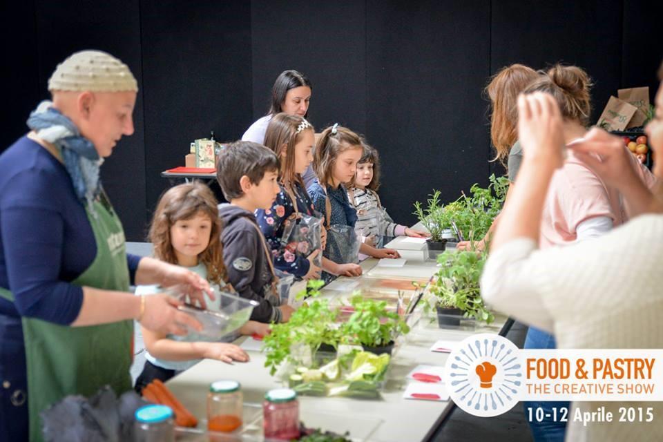 Durante FoodyShow, il laboratorio di Food&Pastry gestito da Beatrice Calia e ReMida