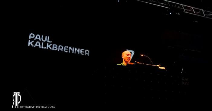 Paul Kalkbrenner e la sua techno fanno ballare Bologna
