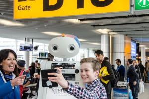 Spencer, il robot KLM all'aeroporto di Schipol