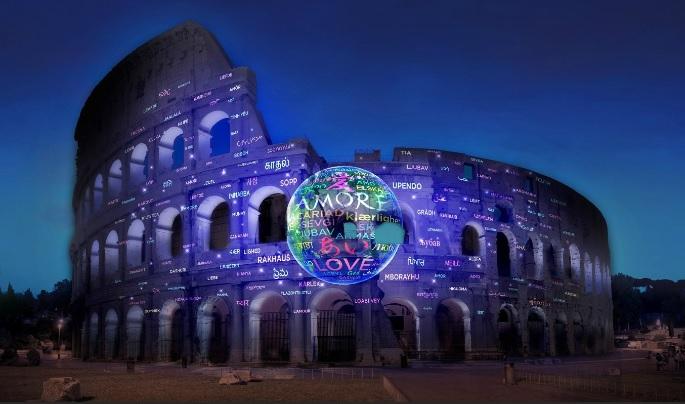 Il Colosseo si illumina per l'anniversario di Italia e Giappone.