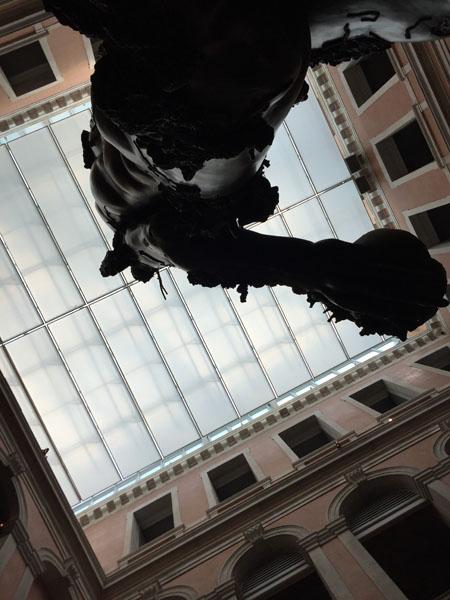 18 Demon with Bowl (Exhibition Enlargment), Resina dipinta, Palazzo Grassi