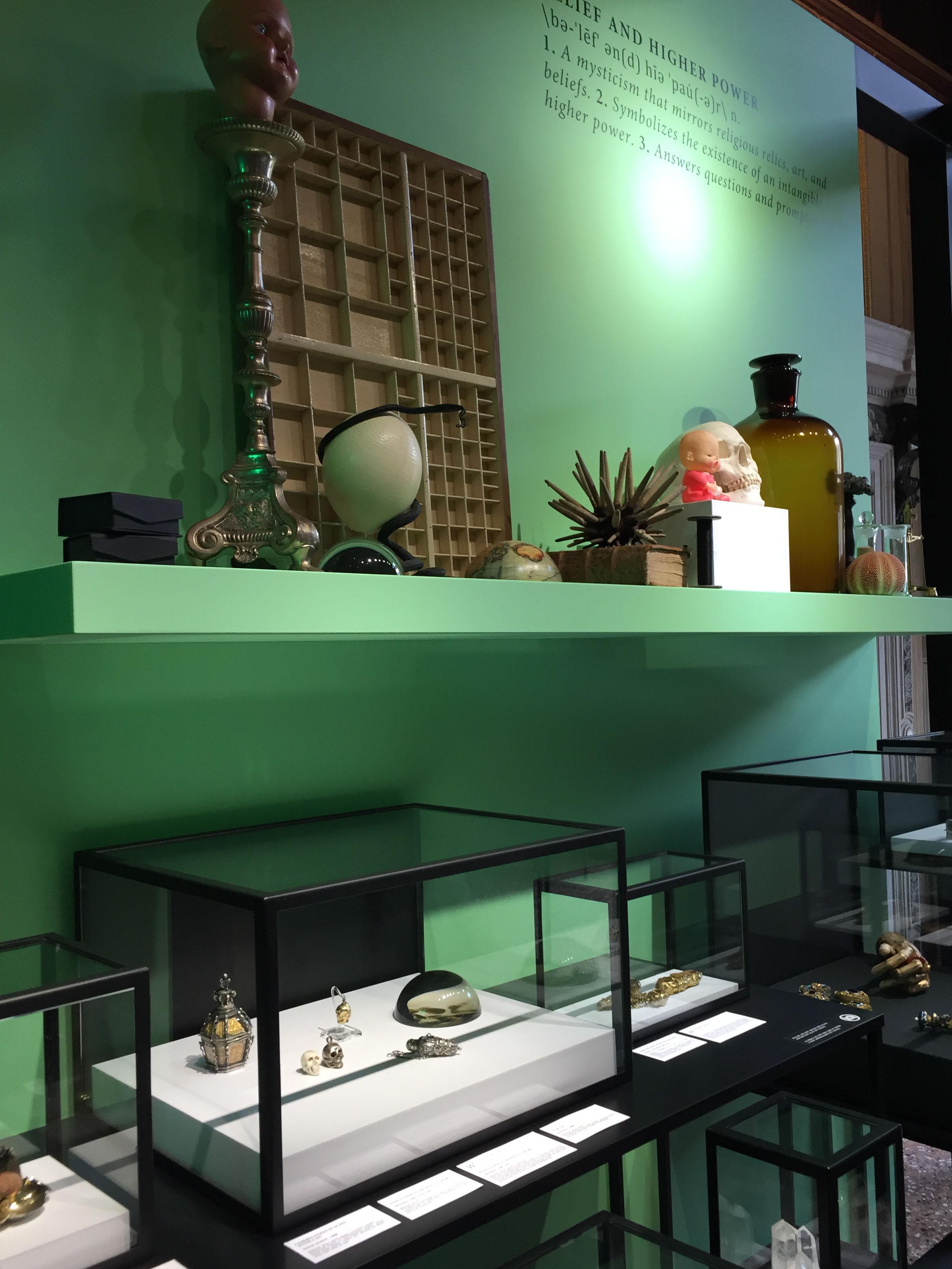 Vista dell'allestimento della mostra 2