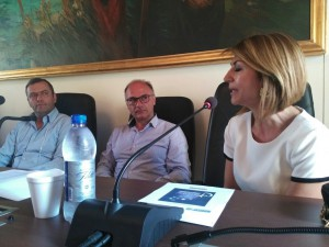 La Professoressa Angela Bianchi, L'Assessore alla Cultura Sandro Gemmiti e il Sindaco Roberto De Donatis