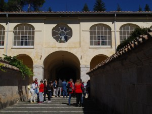 Un momento della sosta alla Certosa di Trisulti