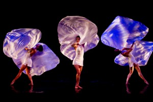MOMIX by Andrea Chemelli