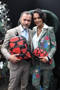 Massimiliano Gallo con Shalana Santana e la limited edition di Alviero Rodriguez