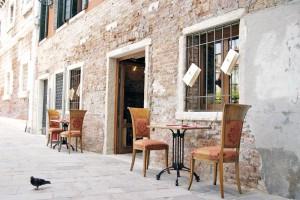 CAMPO SAN SEVERO dove risiede il ristorante veneziano Luna sentada