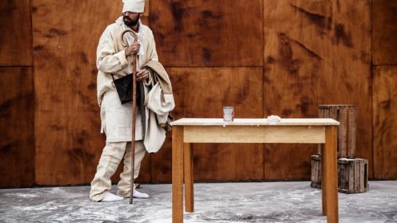 La masa madre. Dario Tamiazzo e Ettore Nigro portano a teatro la resistenza alimentare