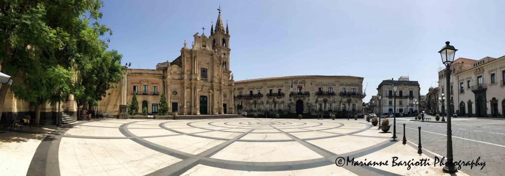 Cattedrale di Acireale e piazza del Duomo
