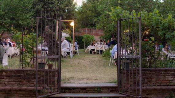 Cultura e gastronomia nell'orto segreto di Bologna