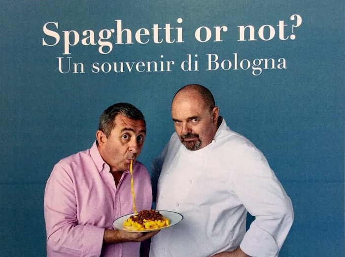 Le Tagliatelle di Max Poggi all'aeroporto di Bologna. Ragù in odore di UNESCO?