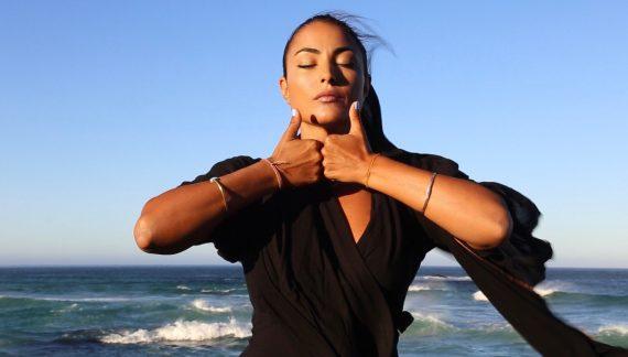 Lo Yoga come terapia: quattro chiacchiere con Ela Mare