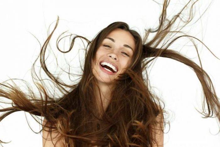 Rinfoltimento dei capelli: ne parliamo con uno specialista