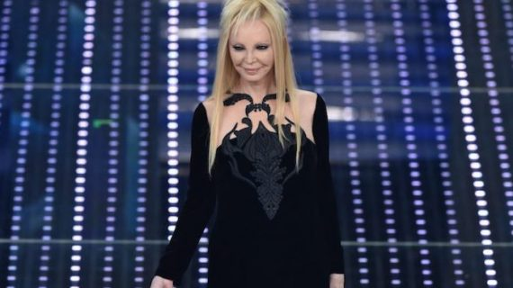 Sanremo Story: tra gli abiti più shock, anche Pignatelli e Gianluca Saitto